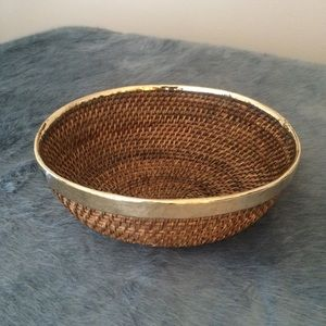 Other - Large Metal Wicker Oval Basket